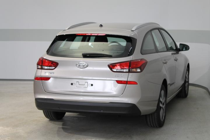 hyundai i30 wagon trend neues modell klima tempomat radio alu aeb