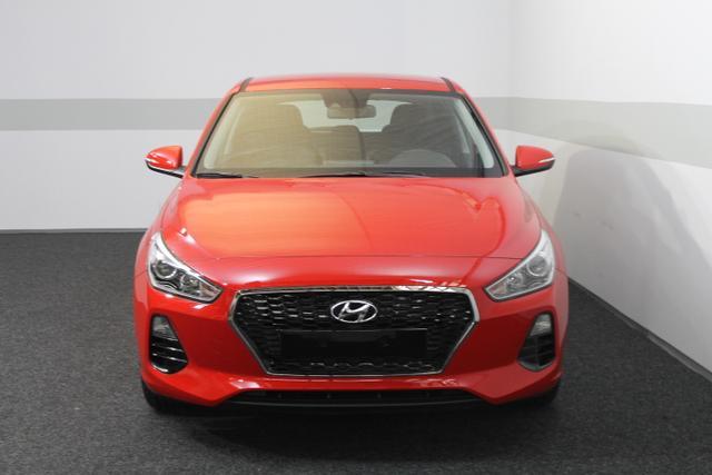 Hyundai i30 - TREND NEUES MODELL KLIMA Tempomat RADIO AEB DAA LKAS