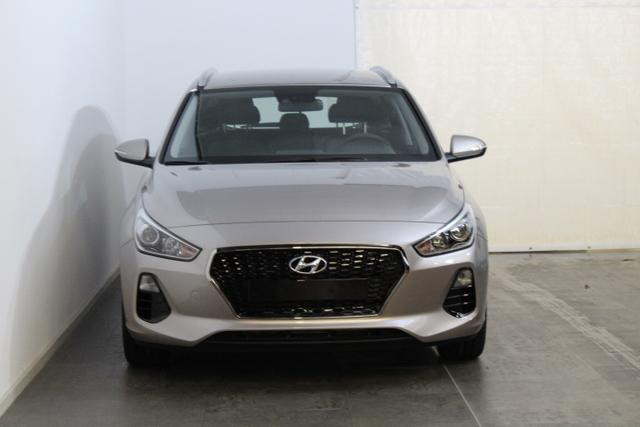 Hyundai i30 Kombi - TREND NEUES MODELL KLIMA TEMPOMAT RADIO ALU AEB DAA FCWS LKAS - Lagerfahrzeug