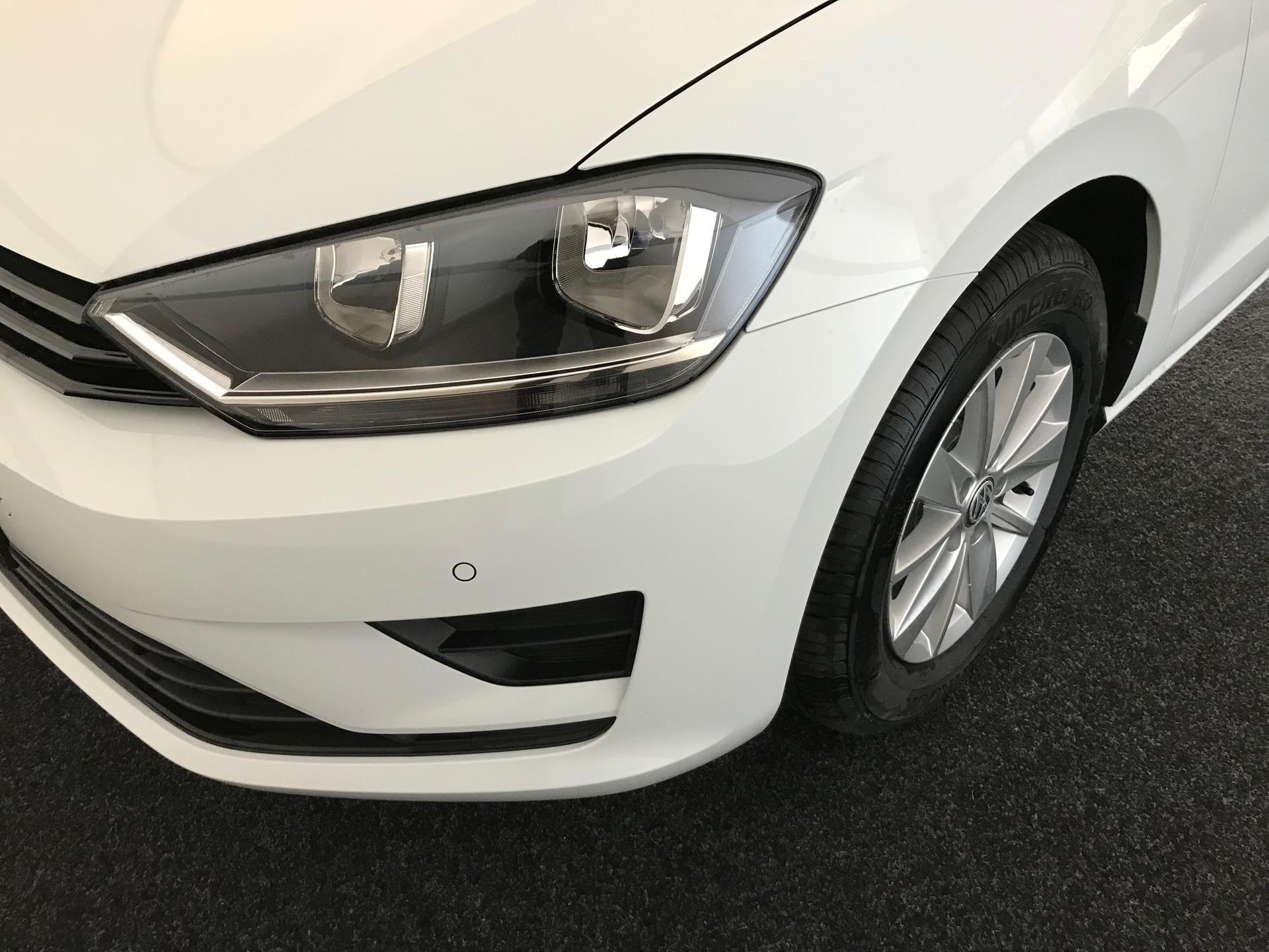 volkswagen golf sportsvan trendline business klima bluetooth alarm parkpilot mf lederlenkrad alu. Black Bedroom Furniture Sets. Home Design Ideas