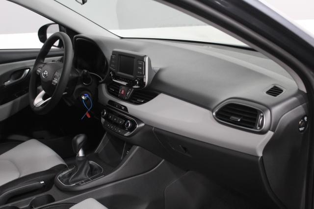 Hyundai i30 TREND KLIMAAUTOMATIK TEMPOMAT ALU LKAS DAA FCWS AEB