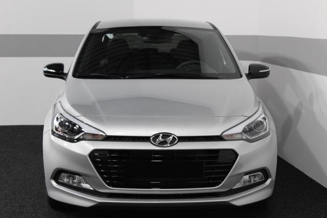 Hyundai i20 - COMFORT PLUS KLIMAAUTOMATIK TEMPOMAT PDC Regensensor LDWS ECM - Lagerfahrzeug