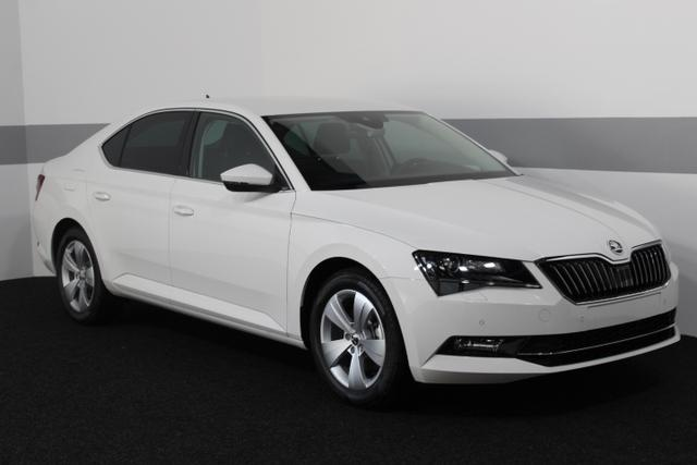 Skoda Superb - Ambition PLUS XENON KESSY LightAssist SHZ BSD TEMPOMAT CrewProtect