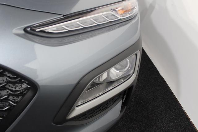 Hyundai Kona - Style KLIMAAUTOMATIK SHZ PDC TEMPOMAT BLUETOOTH ALU LKA DAW