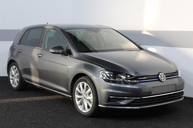 Volkswagen Golf - Comfortline DSG NAVI LED ACC SHZ PDC v+h RFK DAB Licht/Regensensor
