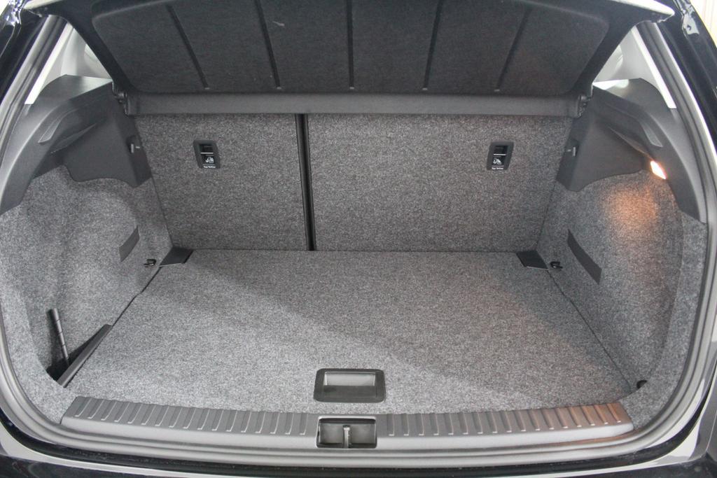 seat arona reference shz klima radio el paket bluetooth mf lenkrad. Black Bedroom Furniture Sets. Home Design Ideas
