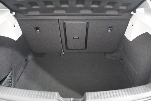 Seat Leon FR NAVI PANORAMA LED SHZ PDC v+h 18ALU Licht/Regensensor KLIMAAUTOMATIK TEMPOMAT