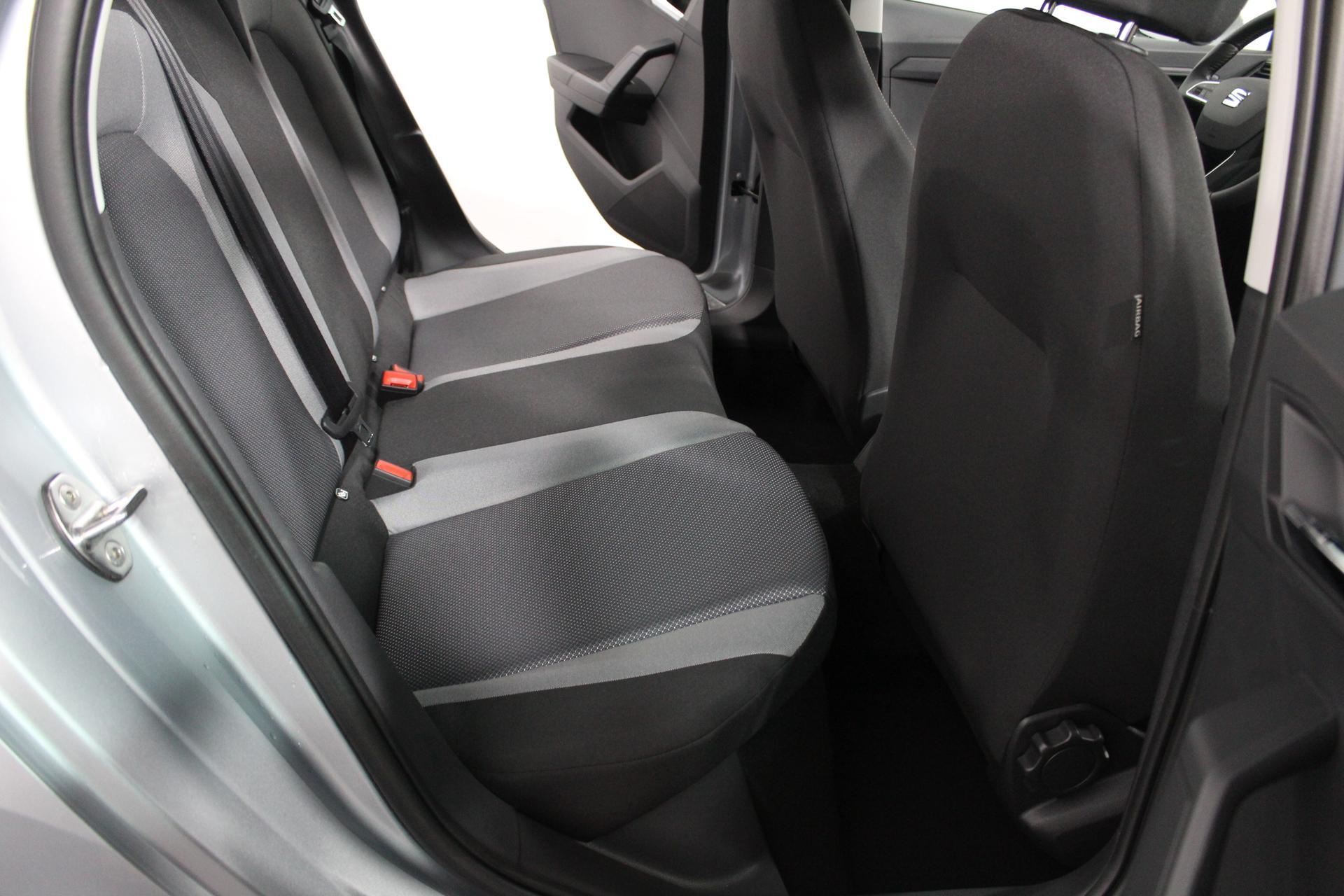 seat ibiza style neues modell klimaautomatik tempomat. Black Bedroom Furniture Sets. Home Design Ideas