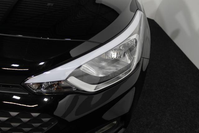 Hyundai i20 - LIFE SHZ RADIO KLIMA EL.PAKET MF-LEDERLENKRAD
