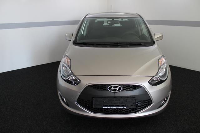 Hyundai ix20 - Comfort PLUS AUT NAVI SHZ KLIMAAUTOMATIK TEMPOMAT PDC ALU
