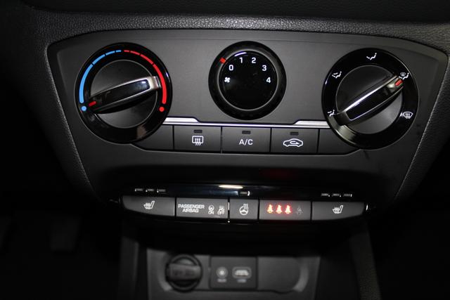 Hyundai EU i20 COMFORT TEMPOMAT SHZ PDC LDWS