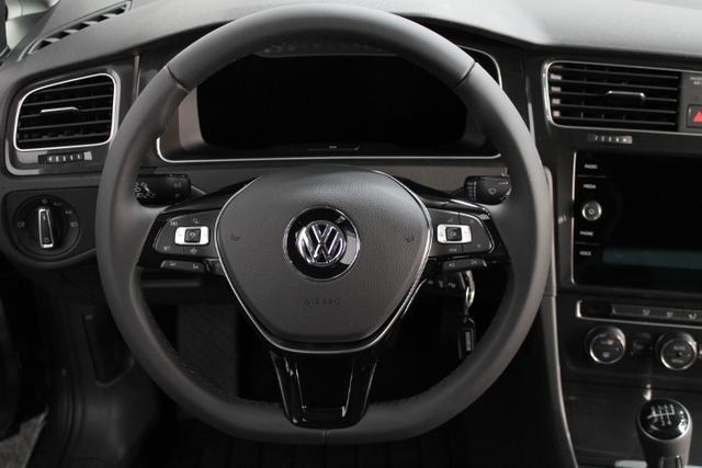 Volkswagen Golf R-Line EDITION LED ACC NAVI PANORAMA ActiveInfoDisplay AirCare ParkPilot Licht/Regensensor