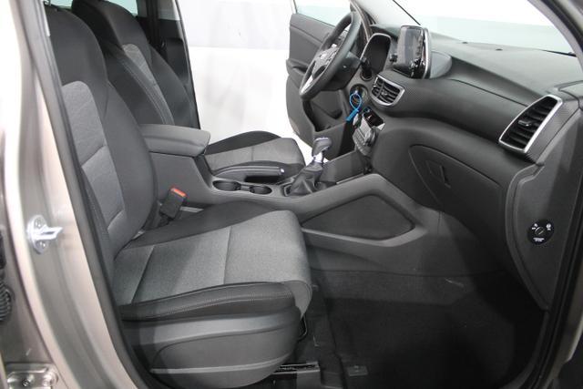 Hyundai Tucson STYLE 4WD NAVI LED PDC KLIMAAUTOMATIK SHZ TEMPOMAT 18ALU
