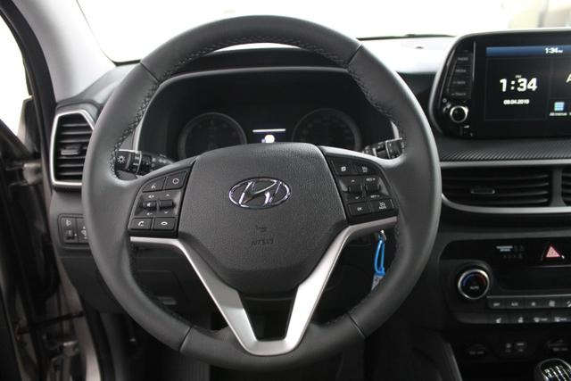 Hyundai Tucson STYLE NAVI LED PDC KLIMAAUTOMATIK SHZ TEMPOMAT 18ALU