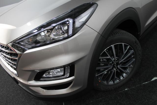 Hyundai Tucson STYLE DCT 4WD NAVI LED PDC KLIMAAUTOMATIK SHZ TEMPOMAT 18ALU