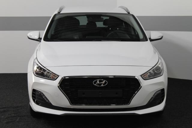 Hyundai i30 Kombi - TREND RADIO KLIMA TEMPOMAT NSW AEB DAA FCWS LKAS