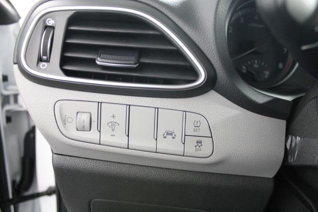 Hyundai i30 TREND KLIMAAUTOMATIK TEMPOMAT SmartSense