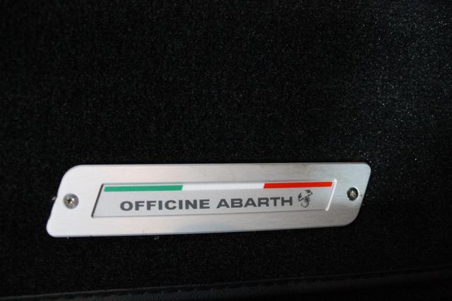 Abarth 595 COMPETIZIONE XENON BEATS BREMBO KLIMAAUTOMATIK PDC