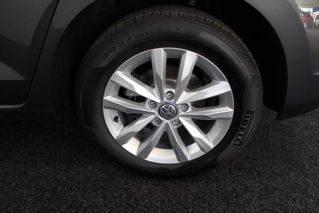 Volkswagen Touran COMFORTLINE 7-Sitzer DSG NAVI LED ACC PDC v+h SHZ