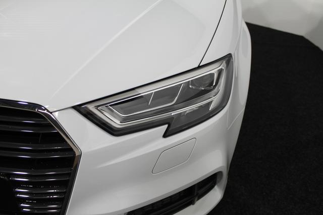Audi A3 Sportback 30 TDI FULL S-Line LED MMI-NAVI SHZ TEMPOMAT PDC KLIMA 18ALU