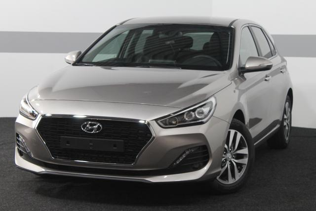 Hyundai i30 - PREMIUM NAVI RFK PDC v+h KLIMAAUTOMATIK ALU