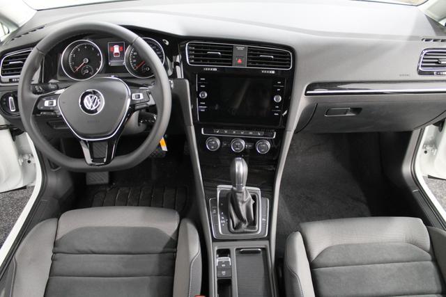 Volkswagen Golf Variant Highline DSG NAVI LED ErgoActive SHZ ACC Rückfahrkamera