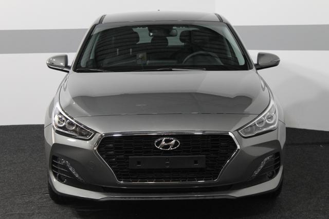 Hyundai i30 - Premium FULL LED KLIMAAUTOMATIK SHZ SMART-KEY