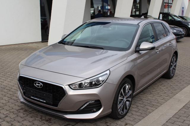 Hyundai i30 - PREMIUM NAVI PDC v h KLIUMAAUTOMATIK TEMPOMAT RFK ALU Vorlauffahrzeug kurzfristig verfügbar