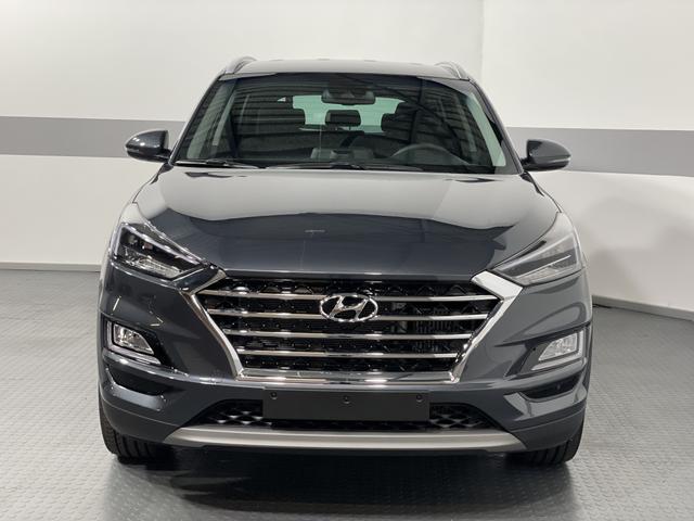 Hyundai Tucson - PREMIUM NAVI LED SHZ 19ALU SLIF PDC v+h LKAS