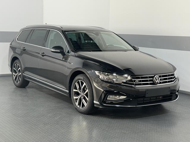 Volkswagen Passat Variant - EXECUTIVE EDITION DSG R-LINE NAVI ACC SHZ ActiveInfoDisplay ALCANTARA/LEDER LaneAssist