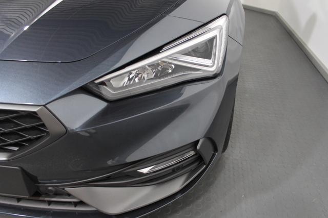 Seat Leon Sportstourer ST - FR PLUS DSG FULL LED NAVI SHZ RFK ACC KESSY DigitalCockpit
