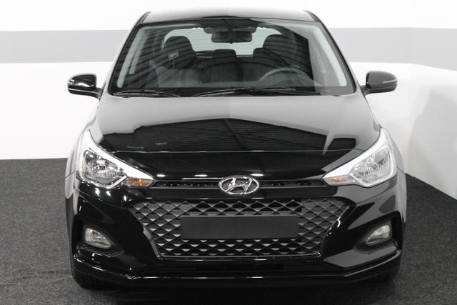 Hyundai i20 - LIFE RADIO KLIMA RFK TEMPOMAT