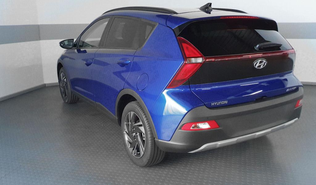 Hyundai / Bayon / Blau / Style /  / LED digitales Display KLIMAAUTOMATIK RFK PDC TEMPOMAT