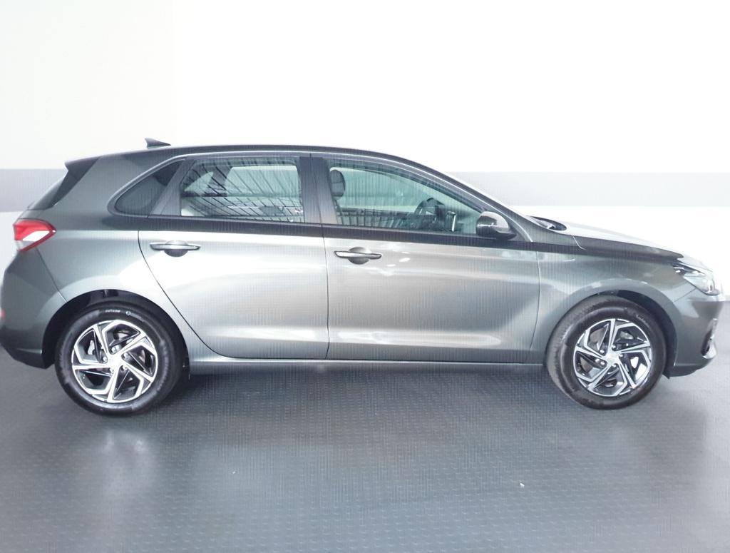 Hyundai / i30 / Grau / Style  /  /