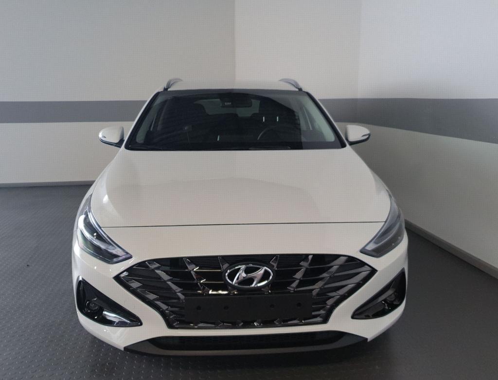 Hyundai / i30 / Weiß / Style  /  /