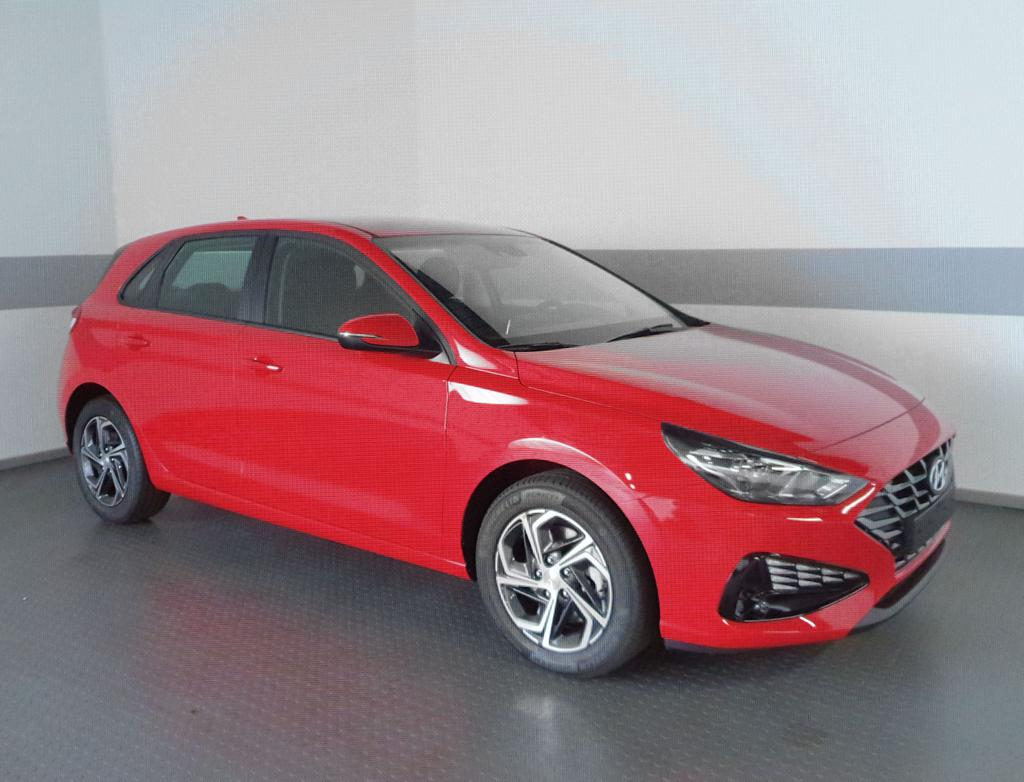 Hyundai / i30 / Rot / Style  /  /