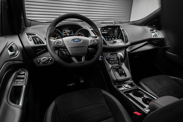 Ford Kuga 1,5 EcoBoost 4x4 AT ST-Line