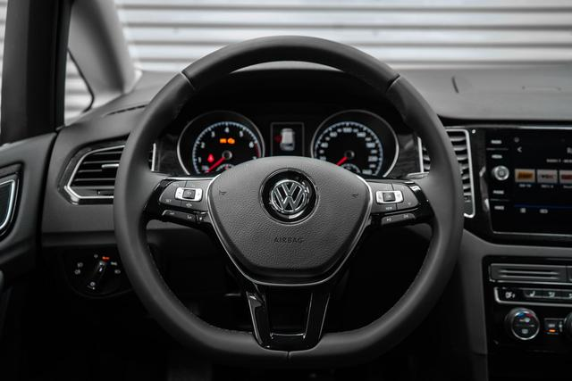 Volkswagen Golf 1,5 TSI ACT Highline - LAGER