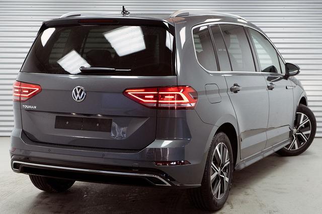Volkswagen Touran    1,5 TSI DSG R-Line (Highline)