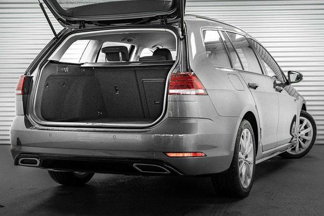 Volkswagen Golf - Variant 1,5 ACT TSI R-Line - LAGER Lagerfahrzeug