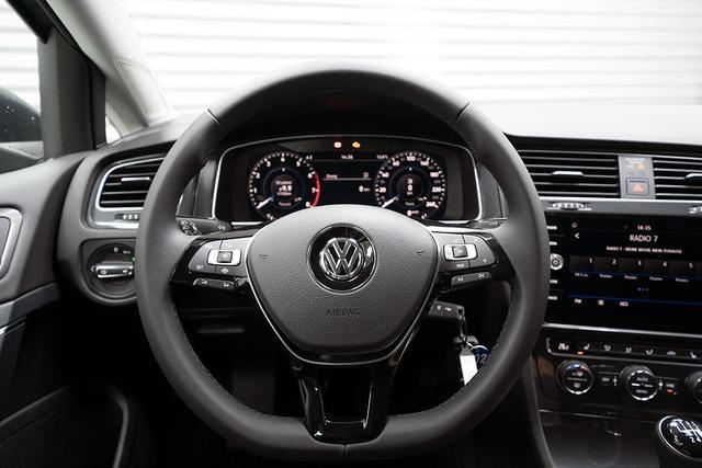 Volkswagen Golf - 1,5 ACT TSI R-Line - LAGER Lagerfahrzeug