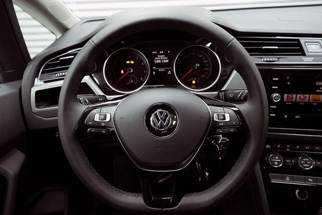 Volkswagen Touran - 1,5 TSI DSG Comfortline - LAGER Lagerfahrzeug