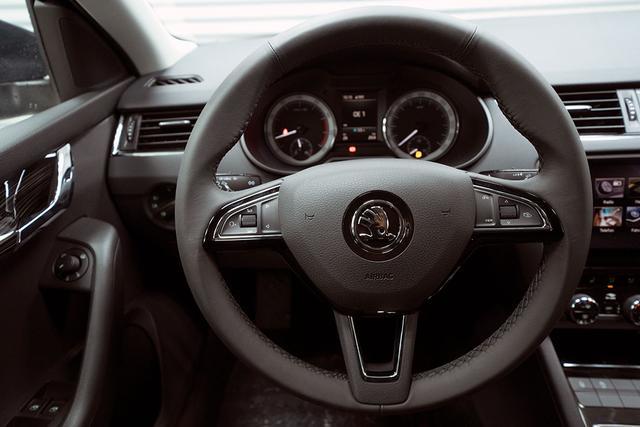 Skoda Octavia Combi - Kombi 1,5 TSI Style Plus - LAGER Lagerfahrzeug