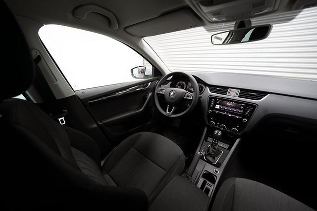 Skoda Octavia Combi Kombi 2,0 TDI DSG Style Plus - LAGER