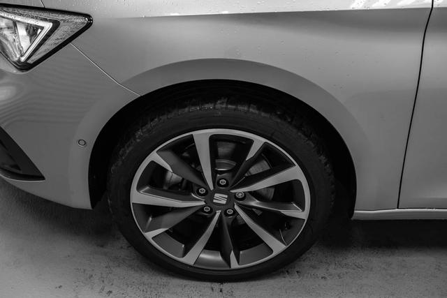 Seat Leon Sportstourer ST neues Modell 2,0 TDI DSG FR - LAGER