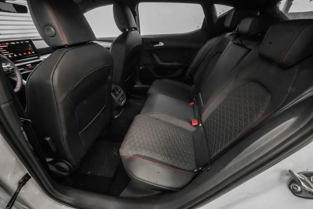 Seat Leon neues Modell 1,5 eTSI DSG FR - LAGER