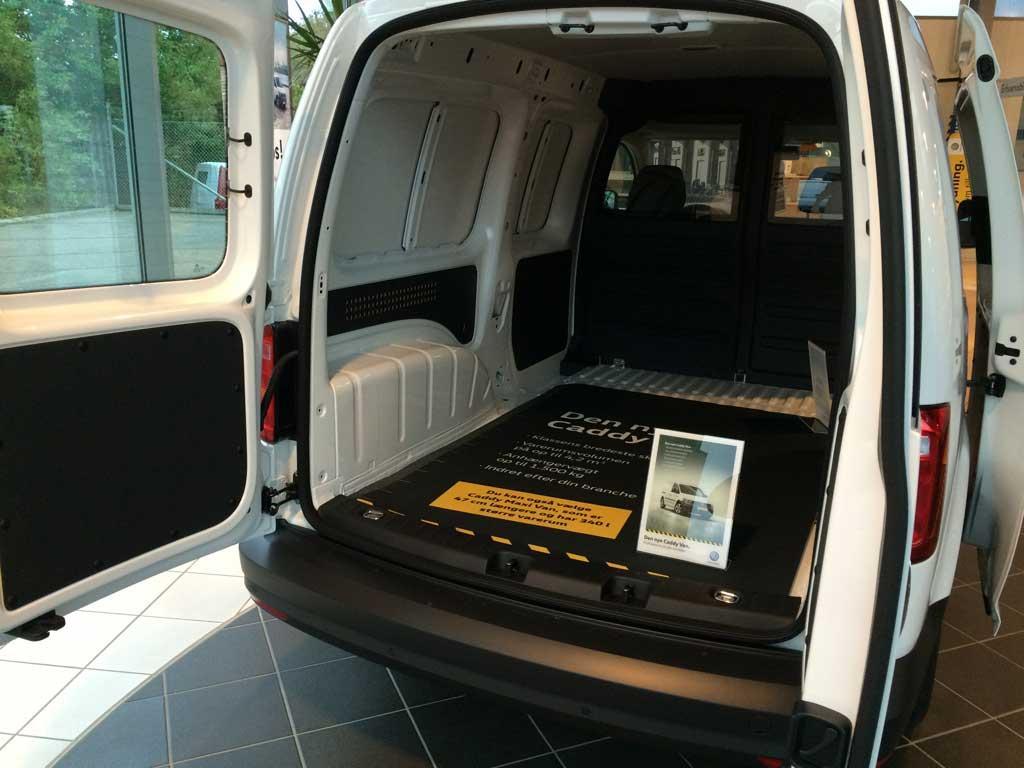 vw caddy maxi innenma e kofferraum gummimatte ladefl che. Black Bedroom Furniture Sets. Home Design Ideas