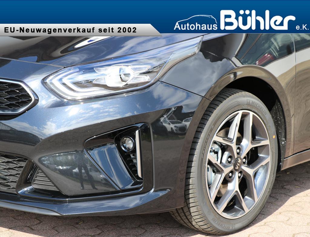 Kia Ceed GT-Line - Zilina Schwarz Metallic