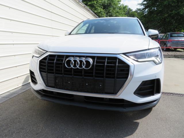 Audi Q3    Basis 35 TFSI 1,5l 110KW / 150PS