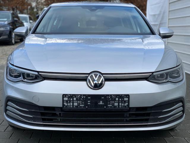 Volkswagen Golf - Style 1,5 eTSI 110KW / 150PS DSG Vorlauffahrzeug